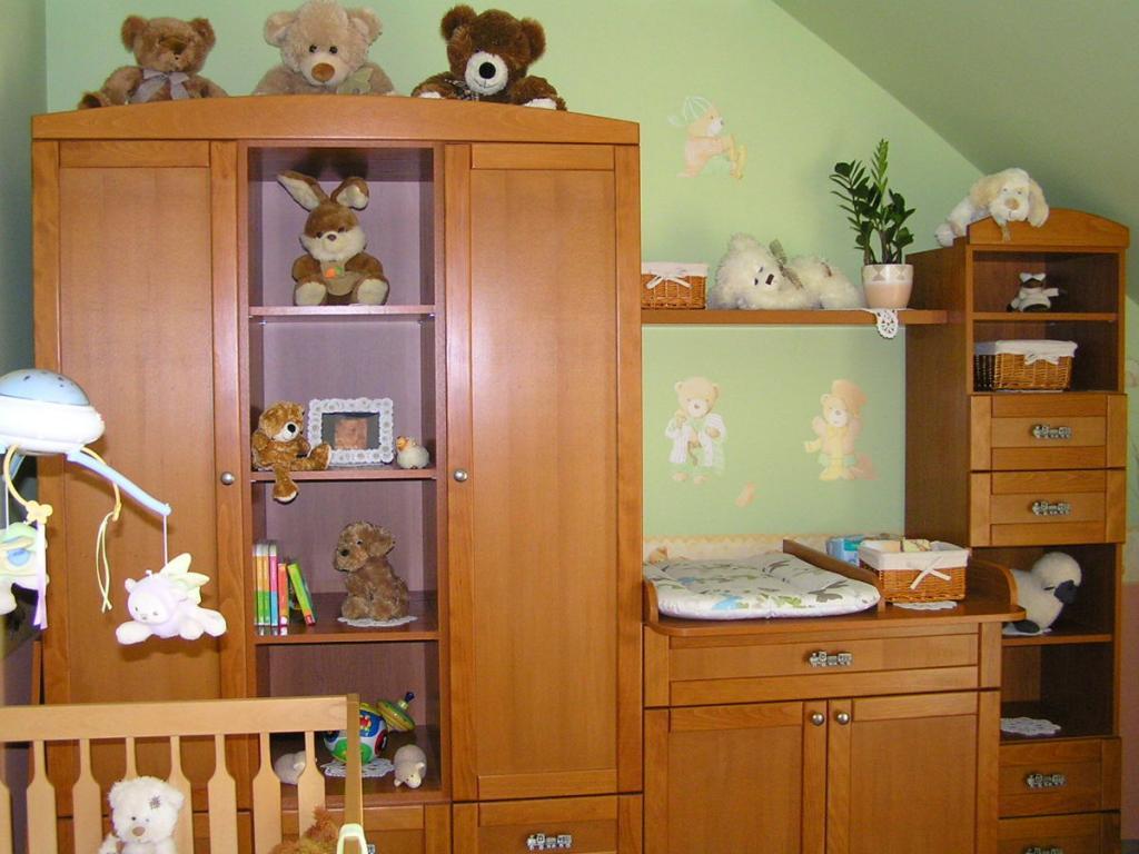 BRIZSn Kft készítésű babaszoba bútor 1.