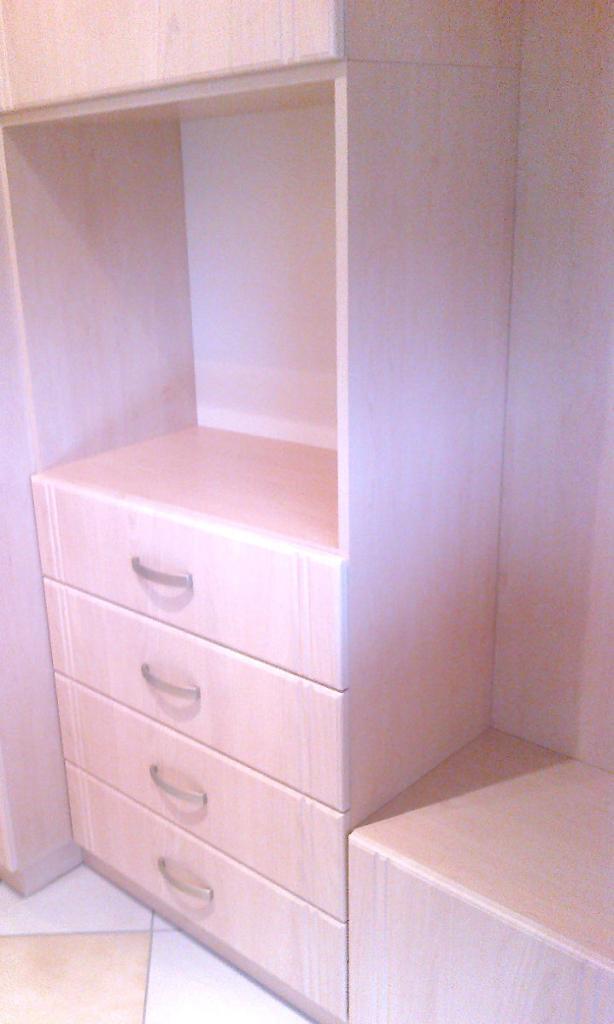 BRIZS KFT - Előszoba szekrény, fiókokkal, nyitott részekkel