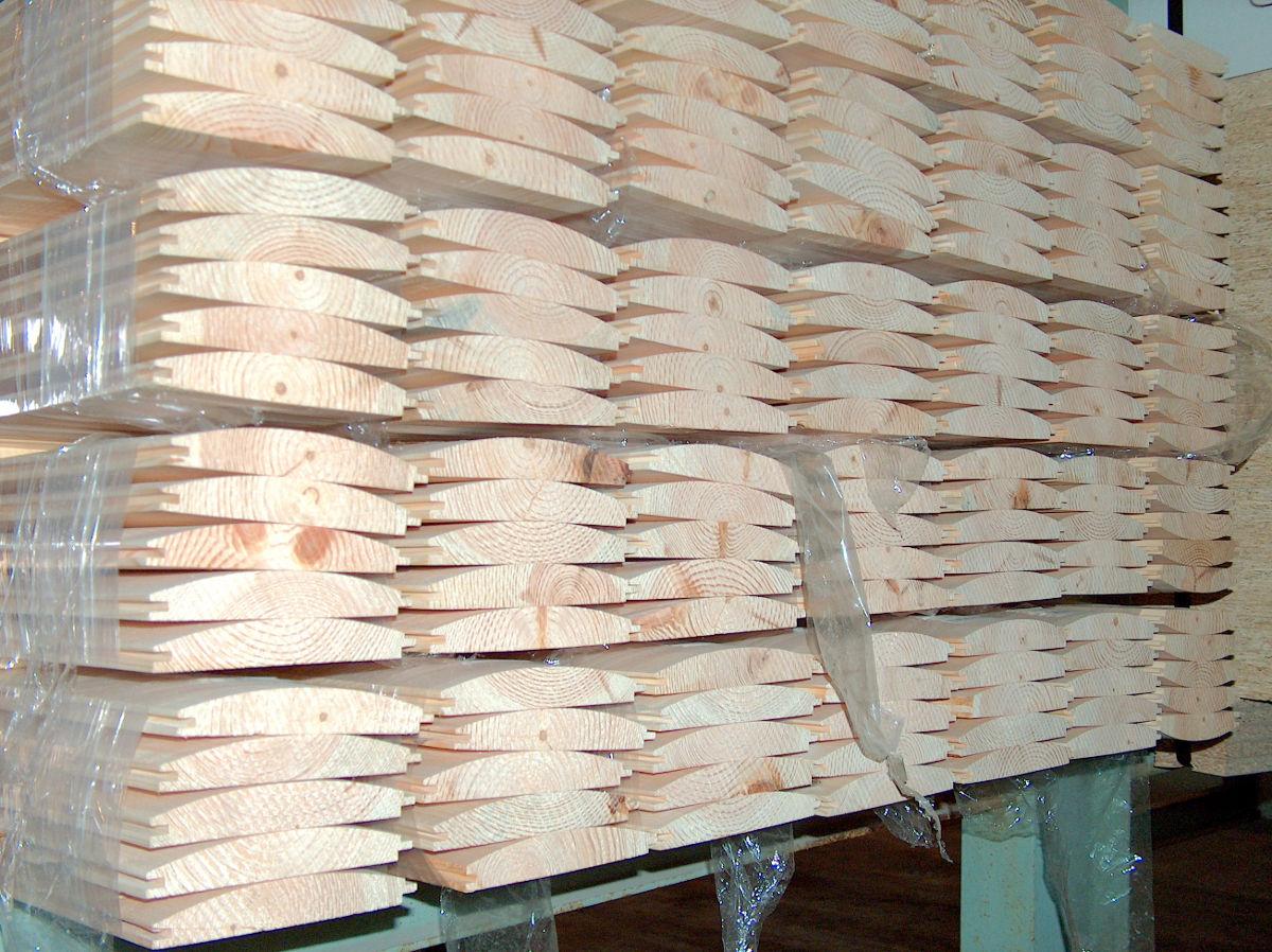 Erdért - faházborítók a BRIZS Kft raktárában